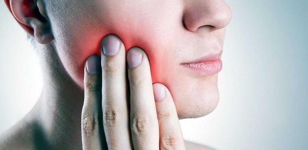 Болят все зубы сразу и голова что это