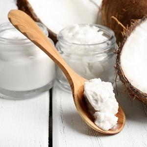 Куркума и кокосовое масло для отбеливания зубов