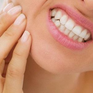 После удаления зуба мудрости не открывается рот и болит челюсть