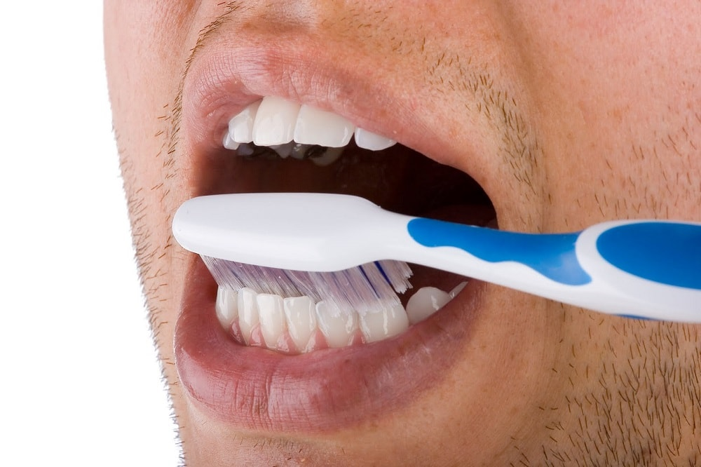 Как чистить зубы после удаления зуба мудрости